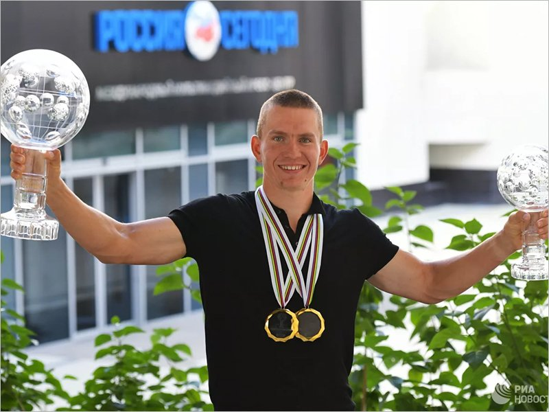 Александр Большунов претендует на «Спортсмена года» по версии букмекеров