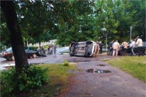 В Брянске на улице Красных Партизан такси угодило в ДТП-«перевёртыш»
