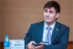 Александр Богомаз официально наделил Вадима Деньгина полномочиями сенатора от региона