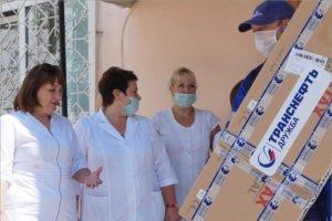 Нефтяники привезли в брянский коронавирусный госпиталь оборудование на 1,2 млн. рублей