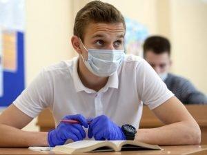 Около 400 школьников заразились коронавирусом на ЕГЭ-2020