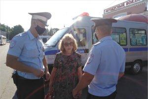 Полтора десятка экипажей ГИБДД ловят пожилых пешеходов на дорогах Брянска