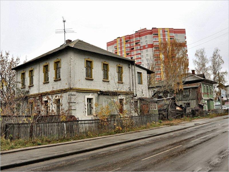«Ветхие и аварийные!»: власти Брянска разъяснили «политику партии» ценителям брянской старины