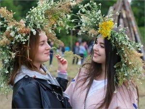 Официально праздник Ивана Купала не состоится, но христиане и язычники в ночь на 7 июля празднуют