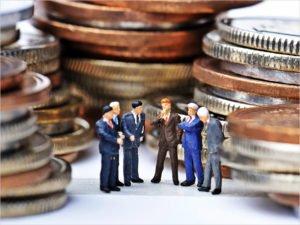 Нелегальные и неподтверждённые в налоговой доходы россиян конфискуют и направят на пенсии