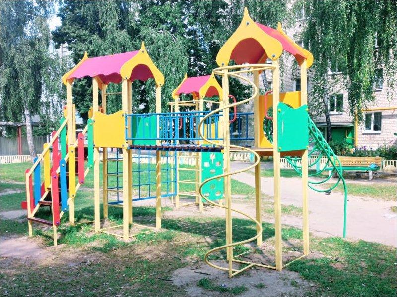 В Новозыбкове за два месяца отремонтированы практически все запланированные на 2020 год дворы