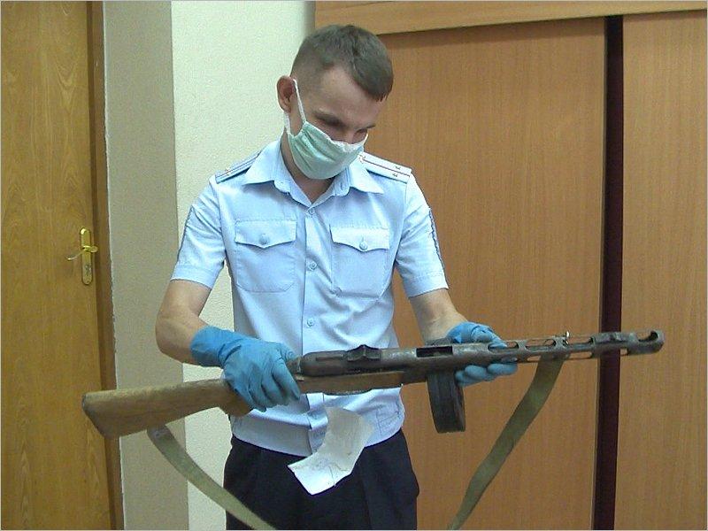 Брянские полицейские изъяли «Максим», ППШ и авиационный пулемёт