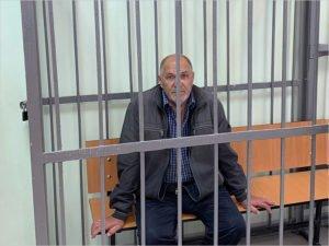 Неадекватный сосед, терроризировавший улицу в Брянске, посажен в СИЗО