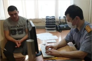Дебоширам, избившим в Брянске полицейского, предъявлено обвинение