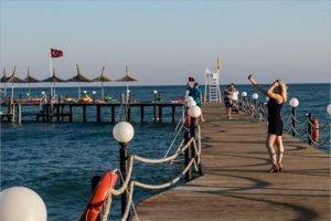 Турция примет российских туристов без виз и справок об отсутствии коронавируса