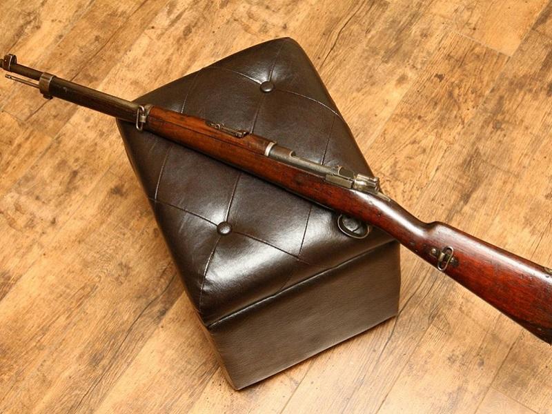 В Дятьково задержаны мужчины за продажу винтовки