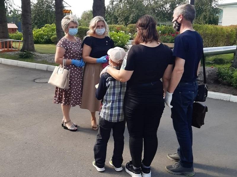 Брянский детский омбудсмен лично проводит кастинг будущих родителей для Ирочки