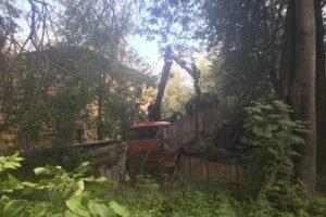 Прокурорский втык заставил унечских градоначальников снести опасные сараи