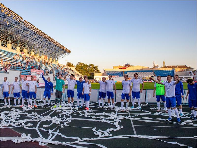 Брянское «Динамо» одержало пятую подряд победу. Теперь над омским «Иртышом»