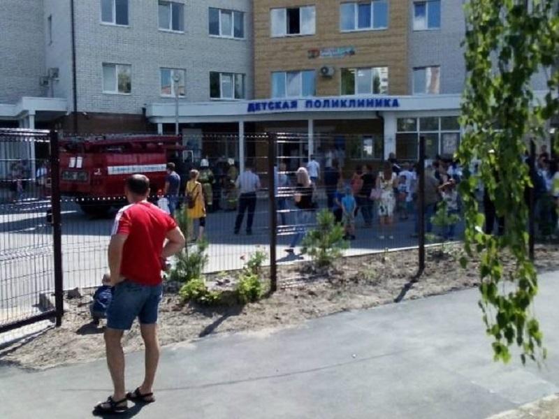 В Брянске по ложной тревоге были эвакуированы пациенты новой детской поликлиники