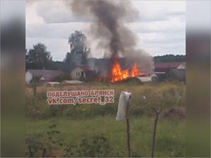 Под Брянском сгорел частный сарай