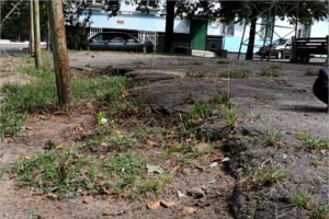 Ложно отремонтированный двор в центре Новозыбкова отправлен на изучение прокуратуре