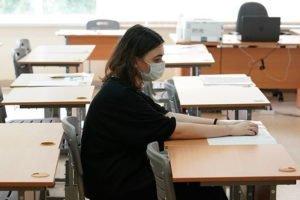 Отдельные классы, термометрия, дистанция: Роспотребнадзор назвал требования к школам в условиях пандемии