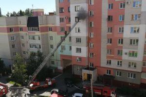 В брянской многоэтажке вспыхнула квартира на шестом этаже