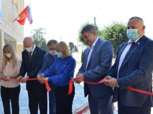 Брянский губернатор торжественно открыл долгожданный плавательный бассейн в Климово