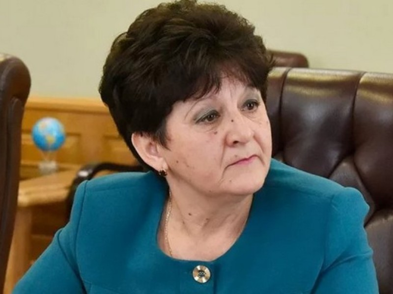 Глава администрации Комаричского района и её заместитель обвиняются во взятках почти на полмиллиона рублей