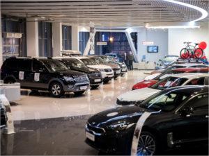 В понедельник в полдень: в какой день и час чаще всего покупают автомобили в России
