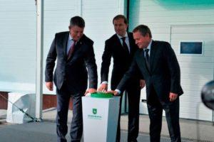 Работающий с 1 июня брянский завод по производству медицинских масок официально открыт
