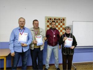 Данила Белоусов и Александра Назарова выиграли шахматный блиц-турнир в Брянске