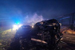 В огненном ДТП на объездной вокруг Брянска погиб водитель внедорожника