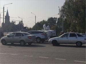 В ДТП с «ковидной» каретой «скорой помощи» в Брянске пострадал её водитель