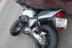 Мотоциклист врезался в «пятёрку» в Брянске и попал в больницу с переломом и травмами головы