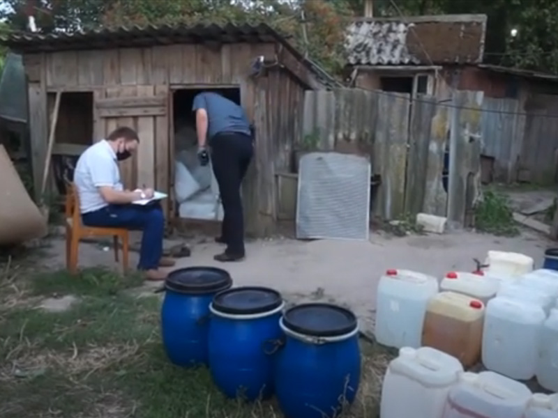 Под Брянском ликвидирована подпольная нарколаборатория. Изъято 143 килограмма «синтетики» (видео)