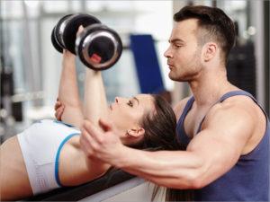 Самыми востребованными в сфере спорта и красоты в ЦФО стали продавцы-консультанты и фитнес-тренеры