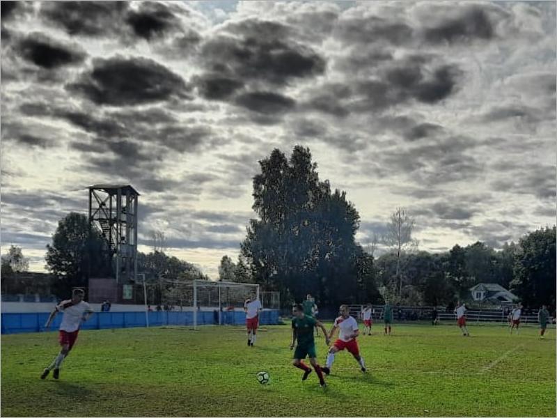 Укороченный футбольный чемпионат Брянской области перешёл к распределению медалей