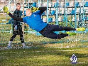 Вратарь брянского «Динамо» лидирует в ФНЛ по количеству спасений