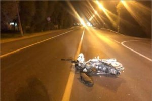 Мотоциклист разбился в Брянске вечером в праздничный день