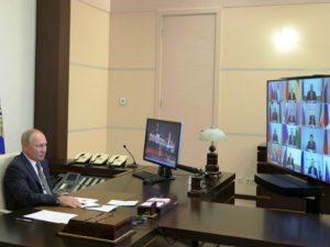 Президент России призвал избранных губернаторов избегать жёстких антикоронавирусных мер