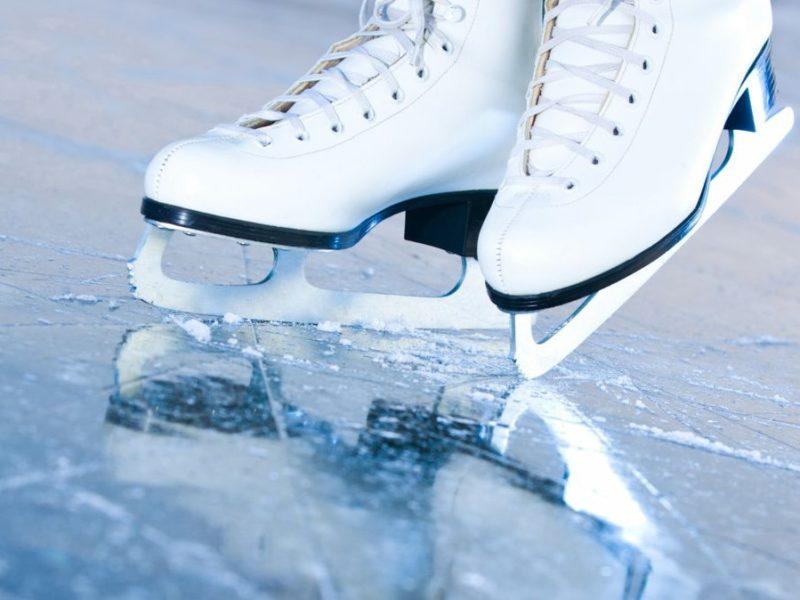 В Брянске открывается сезон массовых катаний на коньках