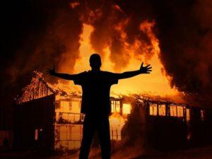 Житель Клетни из мести спалил дом обидчика, пока тот отбывал срок