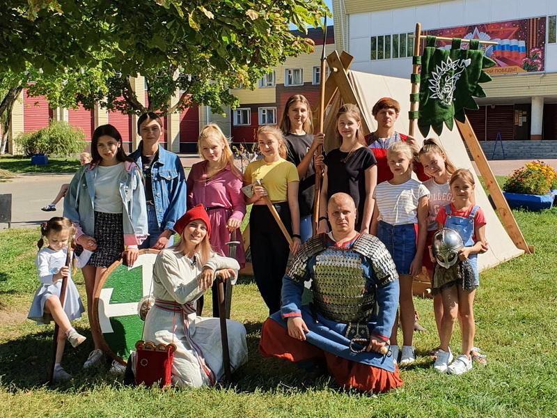 Для брянских детей провели День живой истории