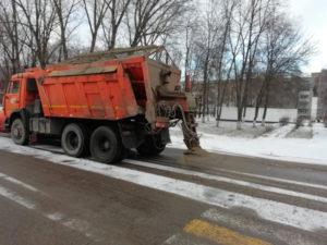 Для зимних дорог в Брянске заготовят более 30 тысяч кубометров песка и соли