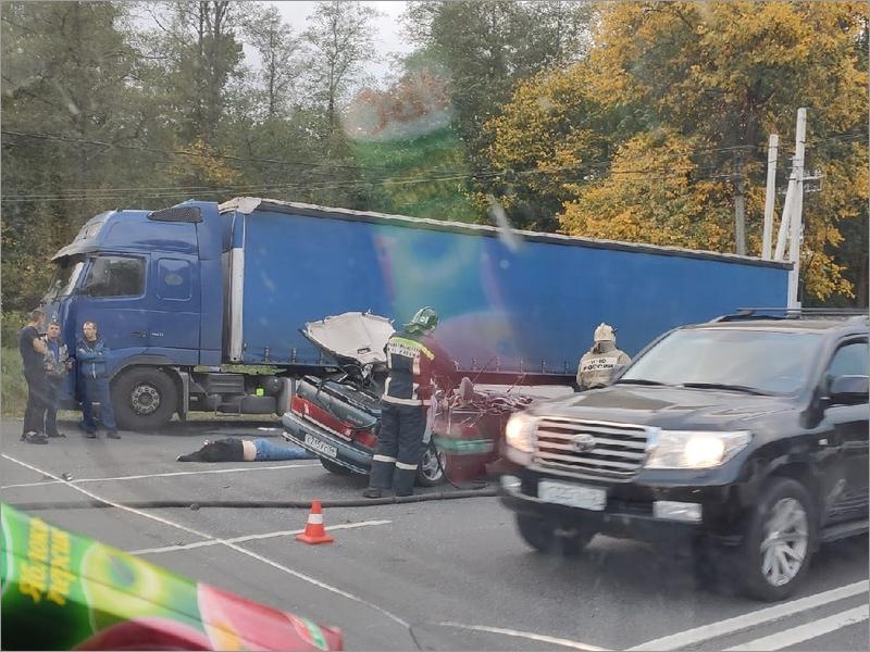 У памятника Воинам-водителям под Брянском произошла страшная авария: трое тяжелораненых
