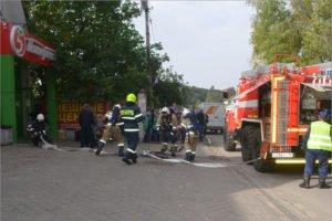 Брасовские пожарные потушили условно горевший торговый центр в посёлке Локоть