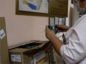 В брянскую детскую горбольницу доставлены СИЗы для медиков «коронавирусного» отделения