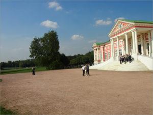 Питер, Москва и Нижний — самые популярные города России для экскурсий в октябре