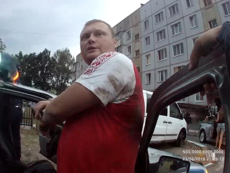 В федеральный розыск объявлен брянский водитель, избивший гаишников