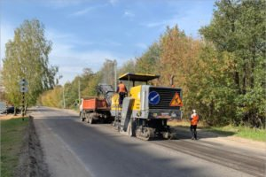 Брянские дорожники срезали «переходящие» 700 метров асфальта на сельцовской трассе