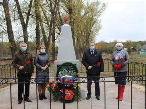 В суземском посёлке Новенькое открыт реконструированный памятник погибшим в Великой Отечественной