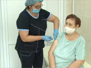 Темпы вакцинации от COVID-19 в Брянской области замедлились