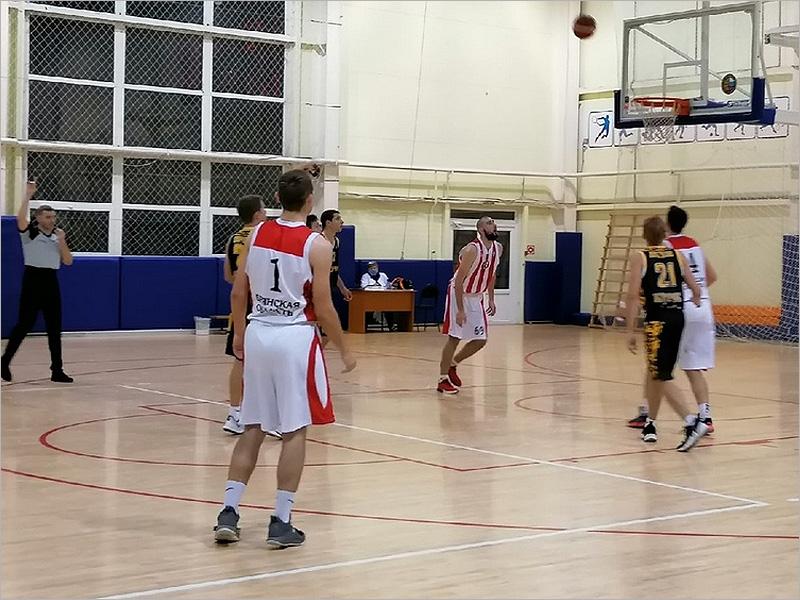 Баскетбольный «Брянск» начал первенство ЦФО двумя уверенными победами